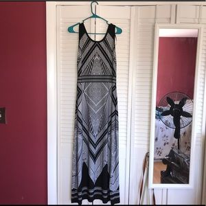 ▪️Black and White Patterned Maxi Dress▫️